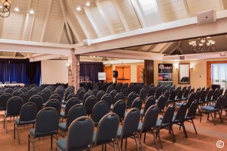 Plenty of meeting space for your group