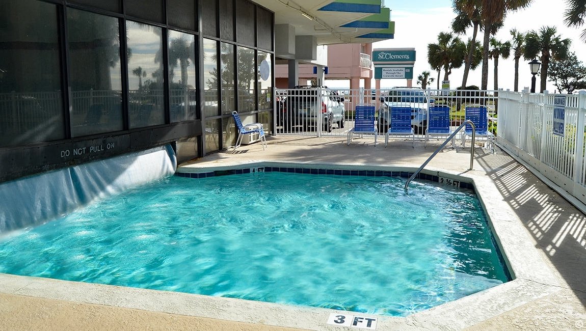 Amenities: Caravelle Tower Pool