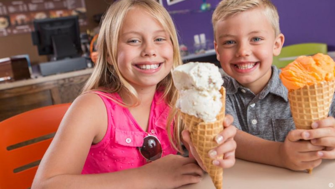Amenities: Pirate's Cove Ice Cream and Sandwich Shop