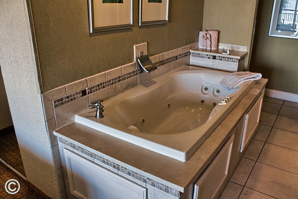 The Oceanfront Jacuzzi Suite features a relaxing Jacuzzi tub!