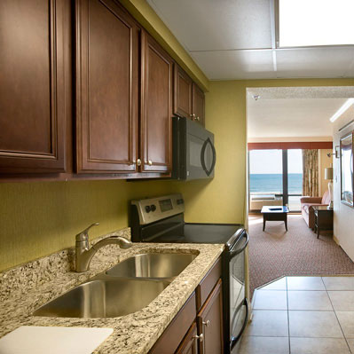 The Caravelle's oceanfront jacuzzi suite features a full kitchen with microwave.